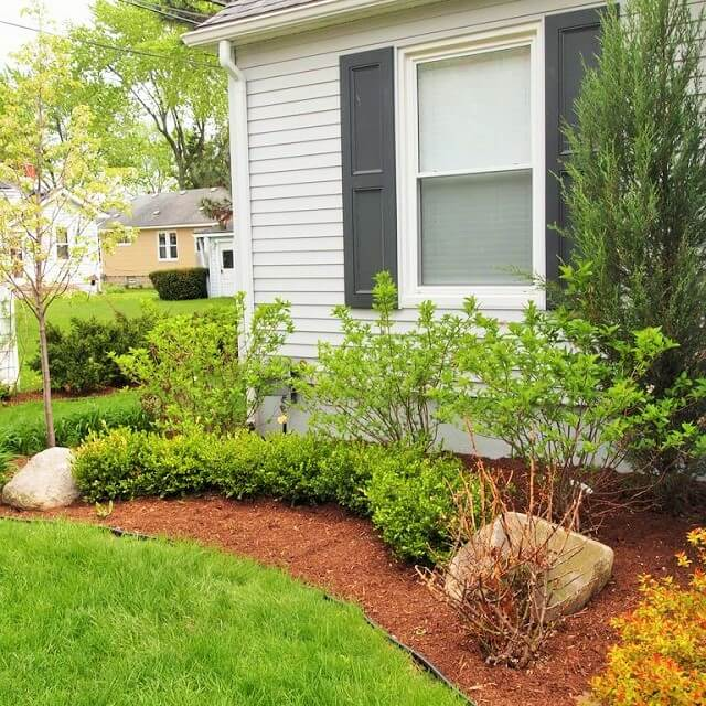 Beautiful Home Front Garden Ideas-10