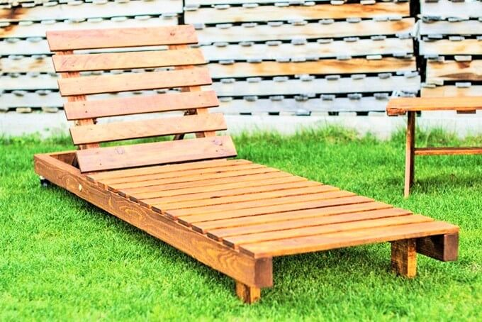 Pallets-turnabout-palest- (2)