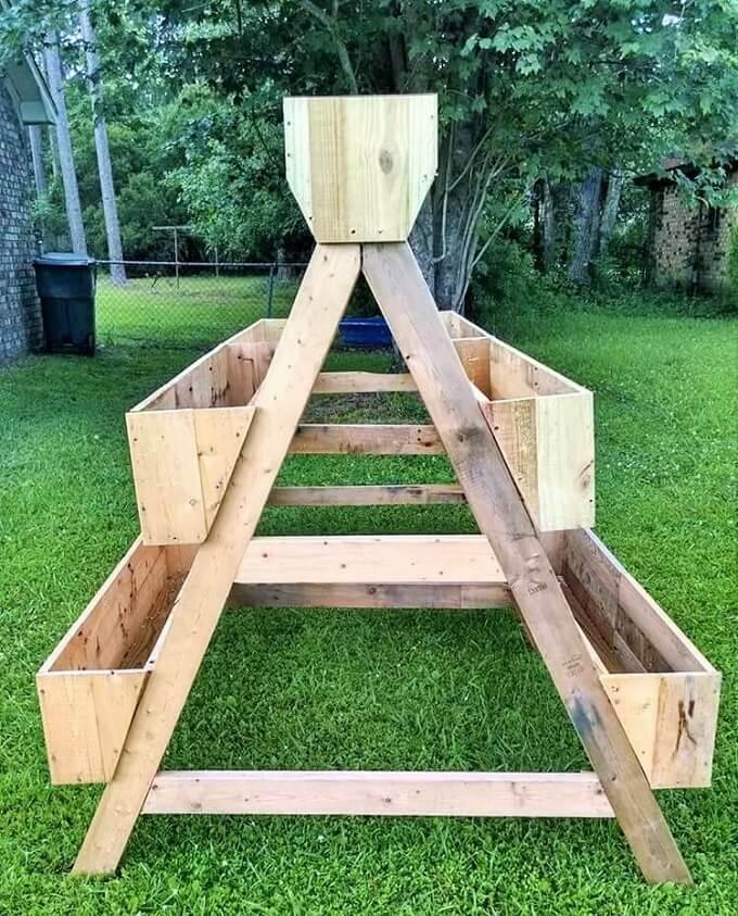 Wooden-Pallet-Garden-Creation1