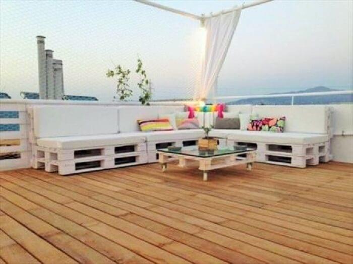 Wooden Pallets Outdoor Sofa.