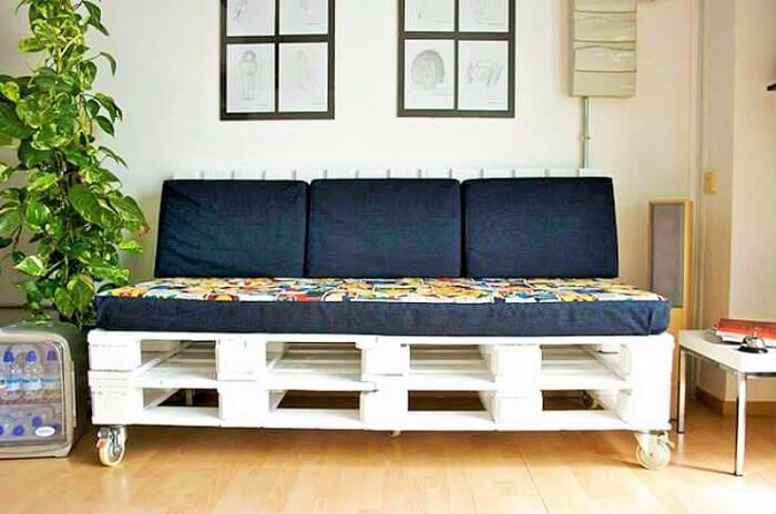 Wooden Pallets Room sofa Ideas.