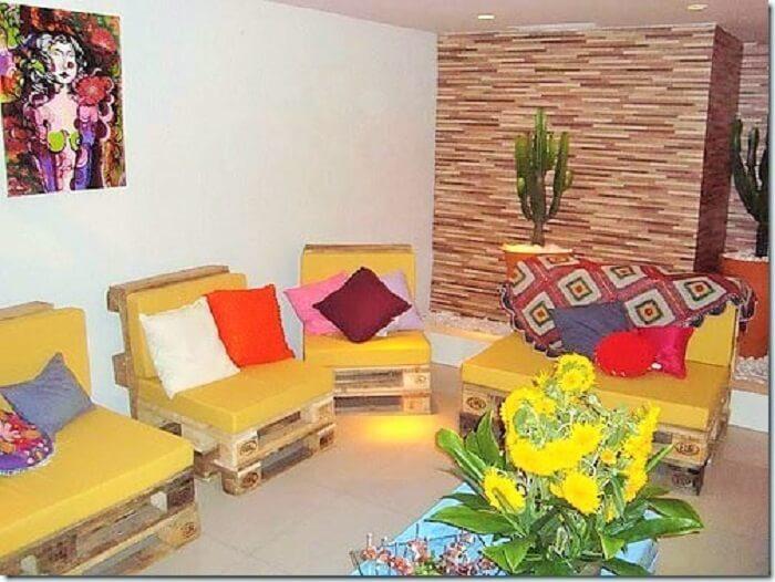 Wooden Pallets decor room.