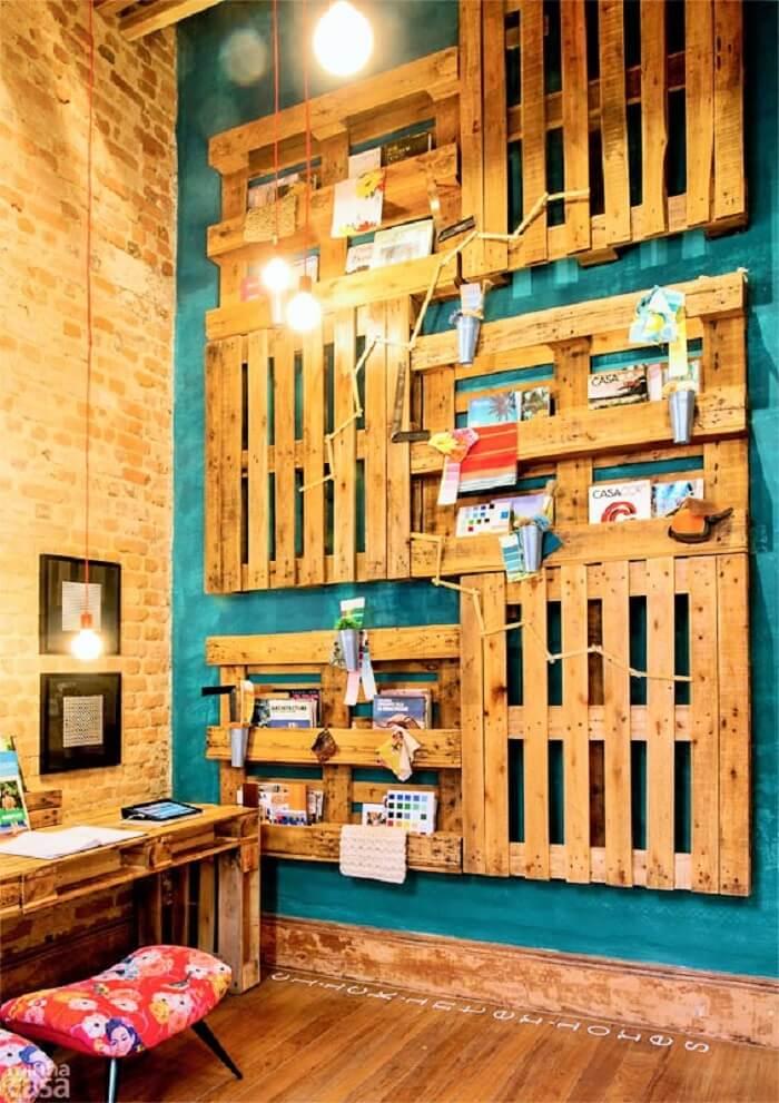 Wooden Pallets wall decor Ideas.