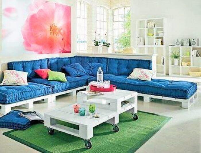 Wooden pallet-furniture-apartment-201