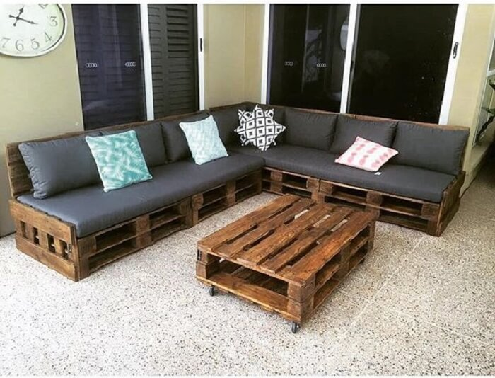 Wooden pallets Sofa Table set