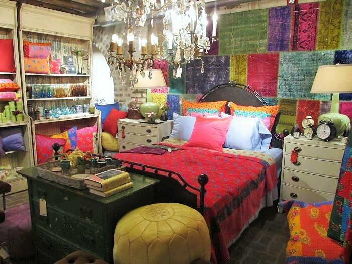 bedroom-decorating-with-amazing-along-with-interesting-Ideas (4)