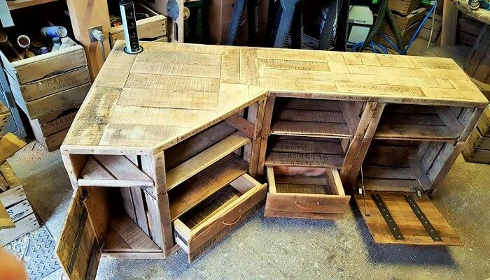 Wood-Pallet-Homemade-Furniture-Ideas-9