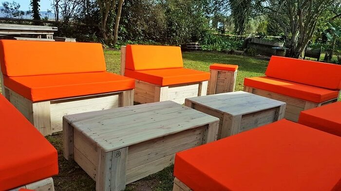 diy-furniture-garden-sofa-ideas-2
