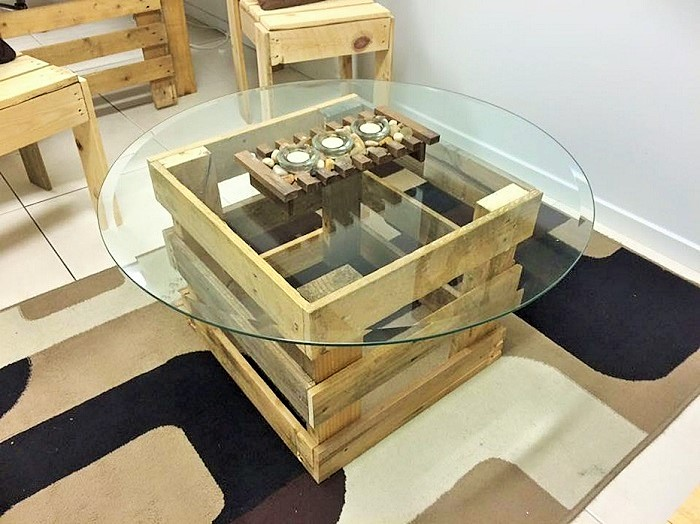 Gentil Motive DIY Pallet Coffee Table With Glass Top