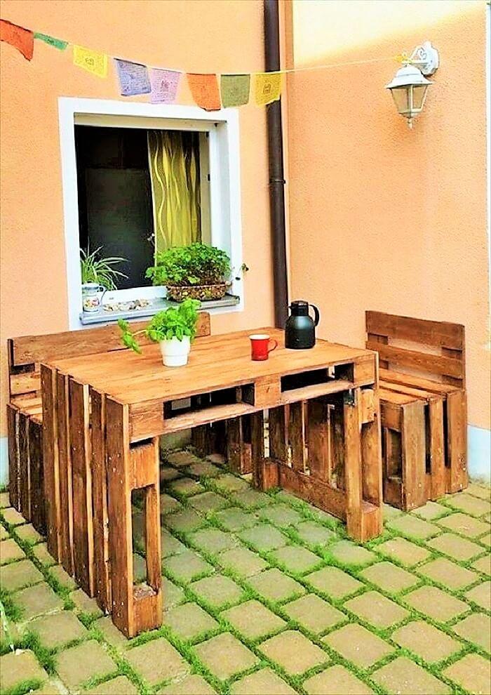 Wooden-pallet-outdoor-sitting-set (2)