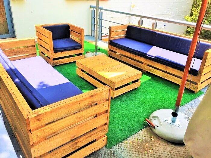 Wooden-pallet-outdoor-sitting-set-Ideas (2)