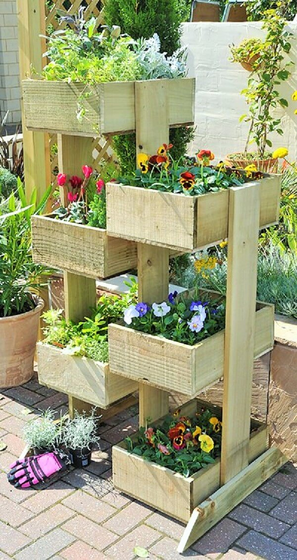 DIY-coppice-vertical-planter-Ideas