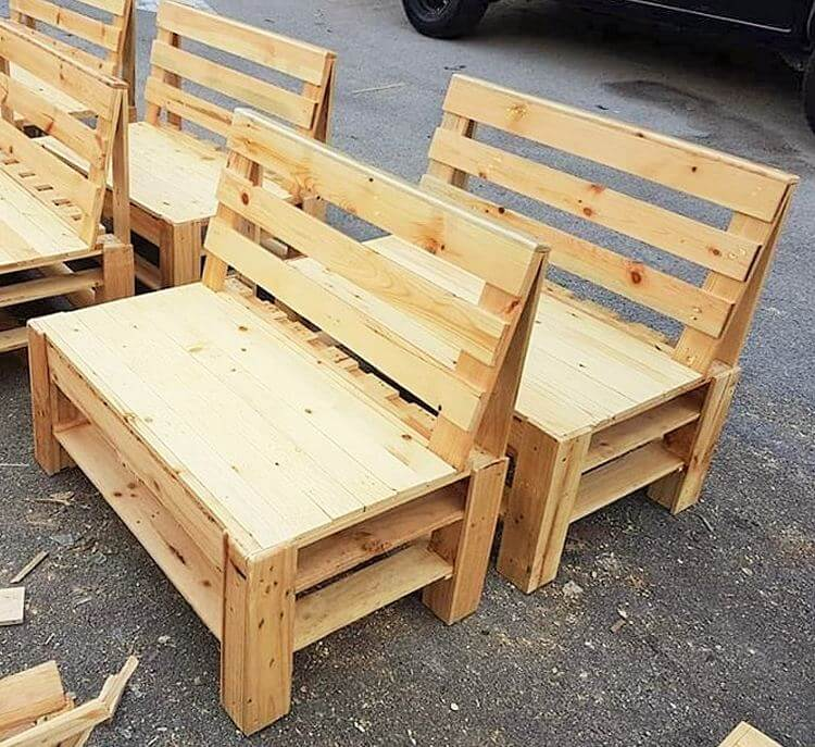 Diy-wooden-pallet banch