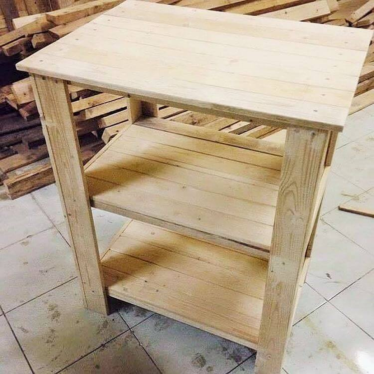 diy-wooden-pallet-TV-table