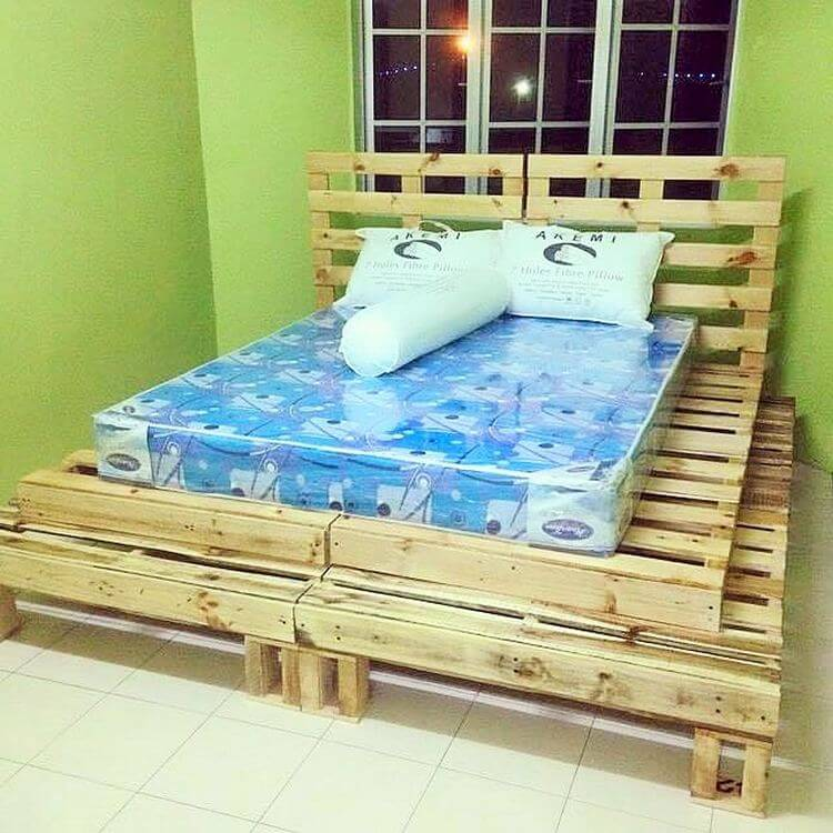 diy-wooden-pallet-bed-02