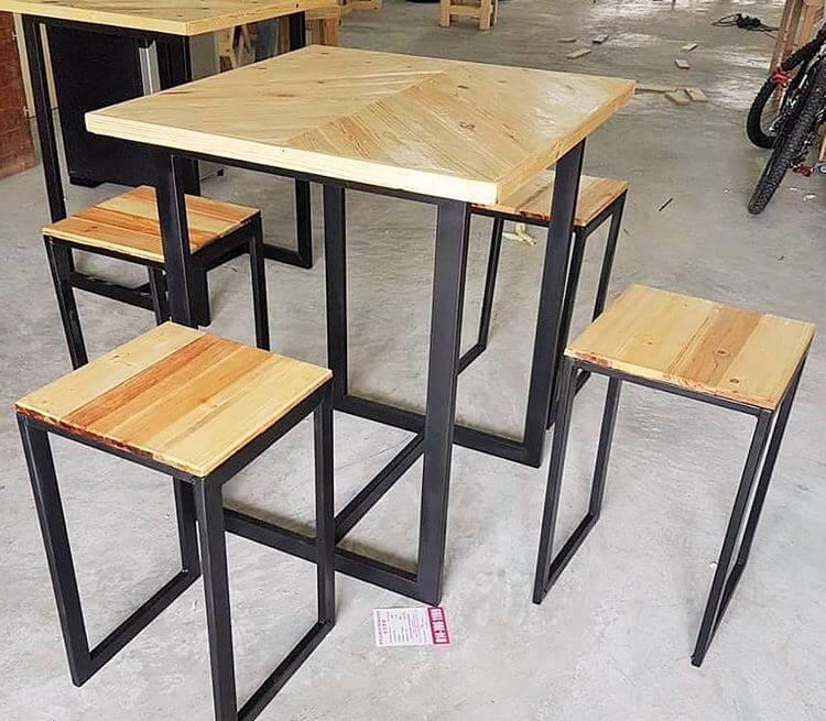 diy-wooden-pallet-small-dining-table -set