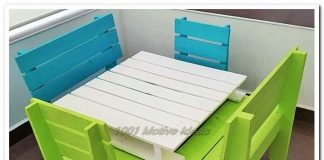 pallet small chire and table