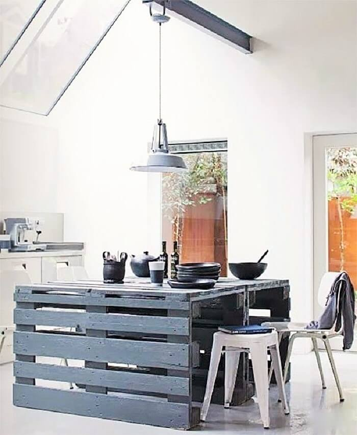 wooden pallets small dining table