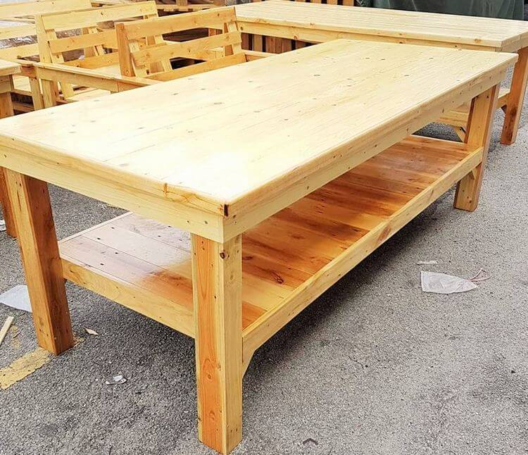woodenpallet larg dining table