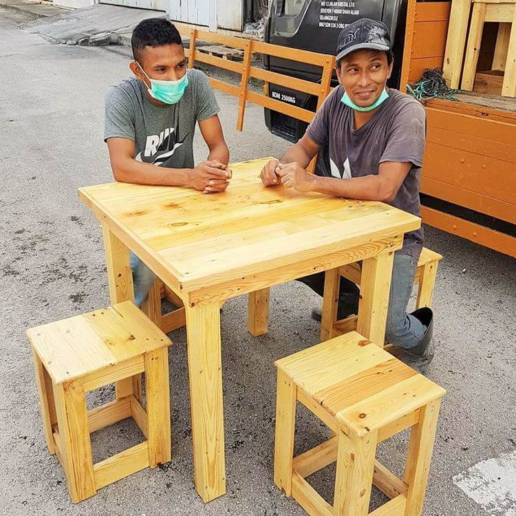 woodenpallet small-daning-table-set