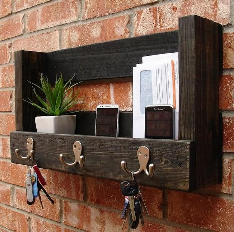 woodenpallet-wall-stand.