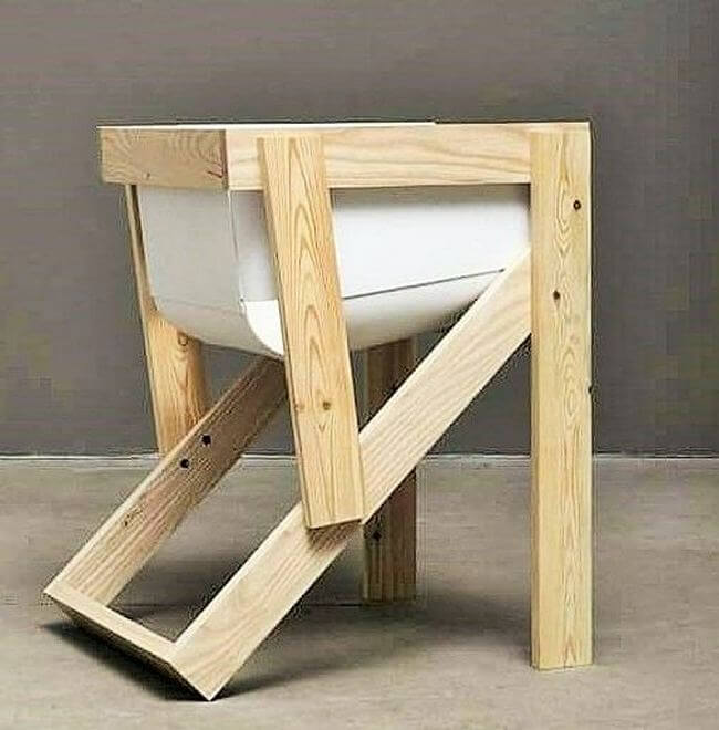 diy wooden pallet chair project 13
