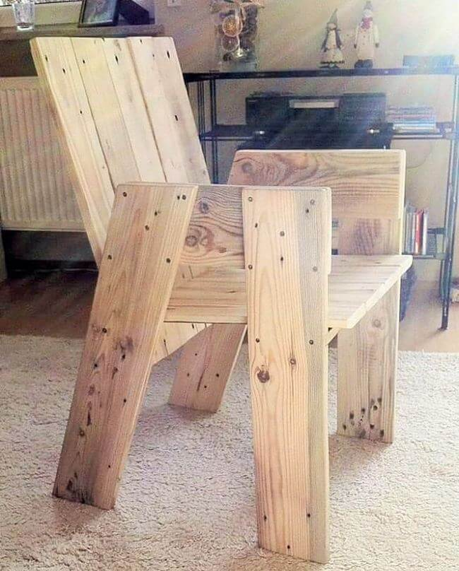 diy wooden pallet chair project 15