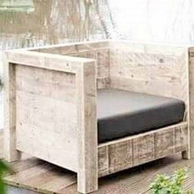 diy wooden pallet chair project 16