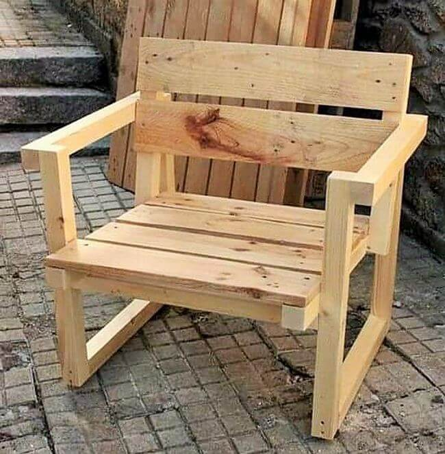 diy wooden pallet chair project 17