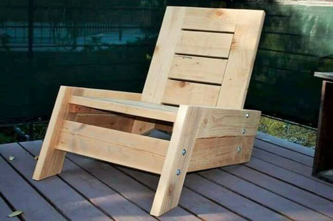 diy wooden pallet chair project 24