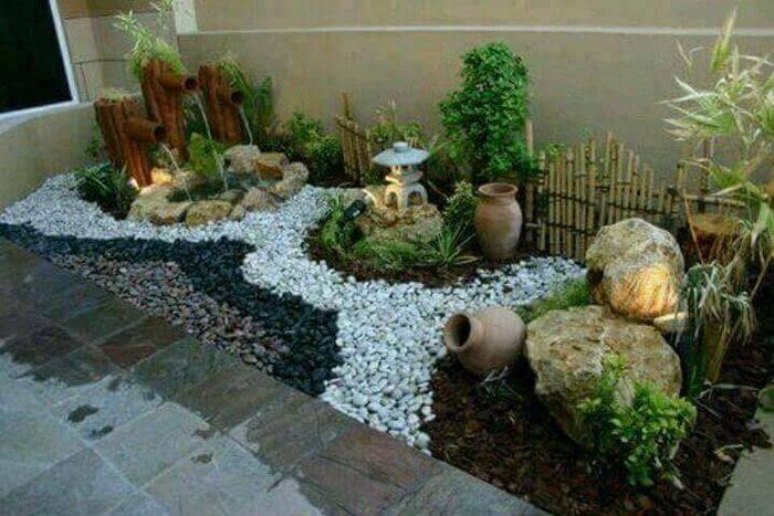 insade small garden