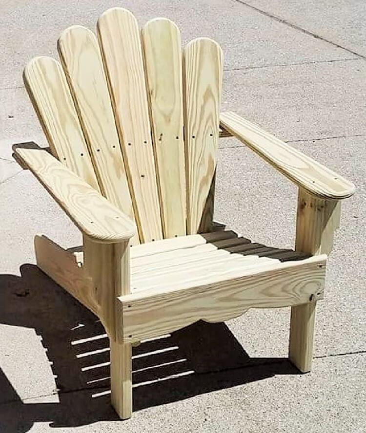 wooden pallet chair idea