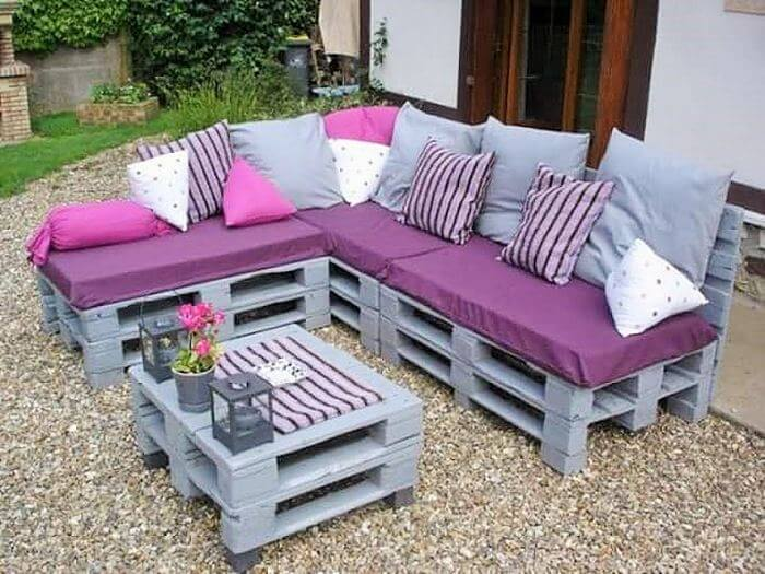 wooden pallet outdoor coofee table and sofa