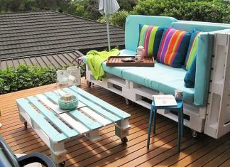 wooden pallet sofa and coofee table