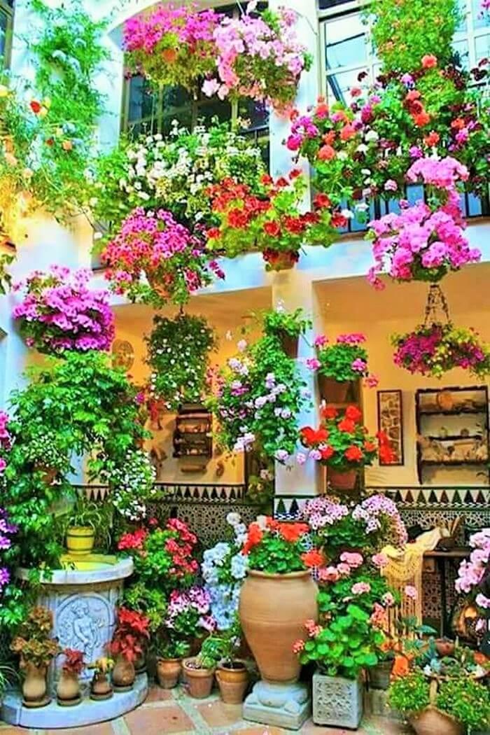 Small Garden Decor Ideas-03