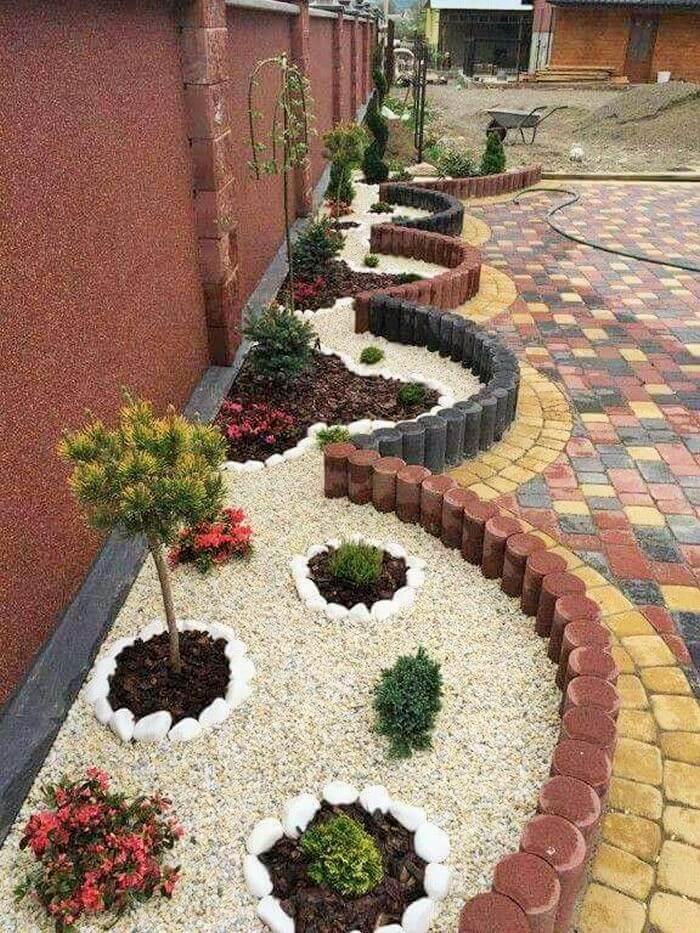 Small Garden Decor Ideas-07