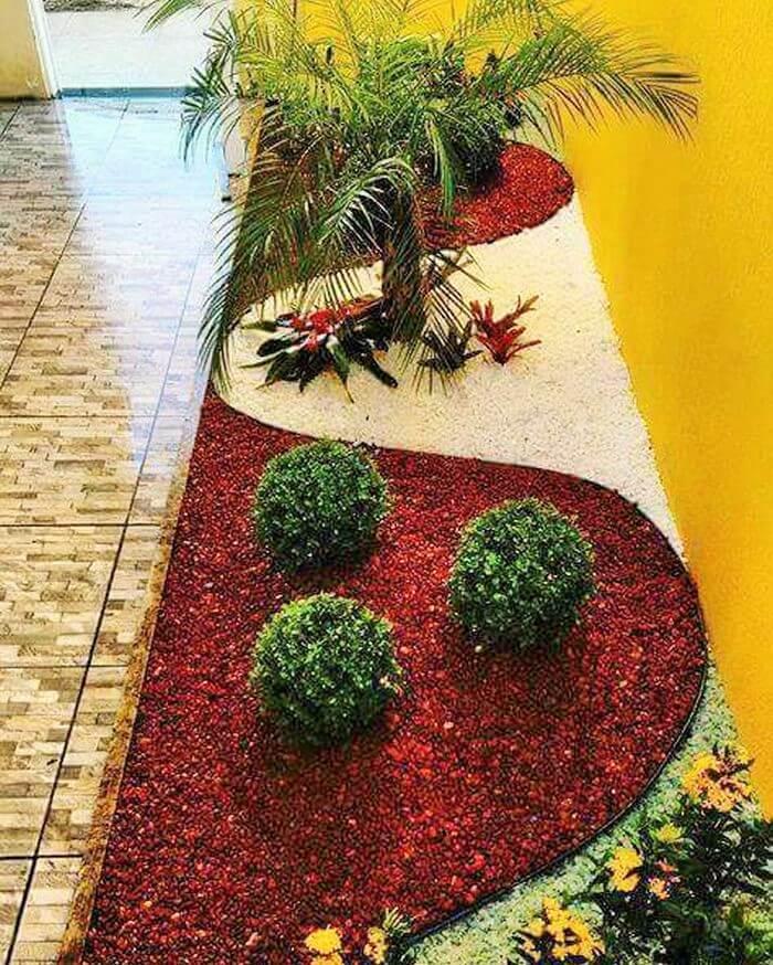 Small Garden Decor Ideas-09