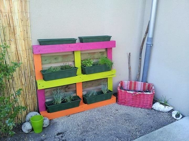 DIY-Pallet-Garden-Planter-Ideas-01