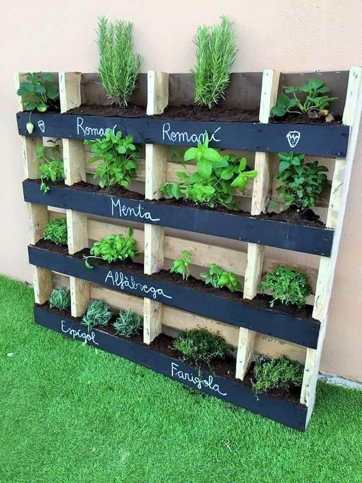 DIY-Pallet-Garden-Planter-Ideas-04