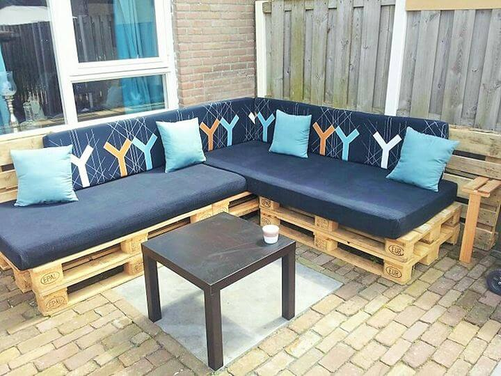 DIY-Pallet-garden-furniture-Project-05