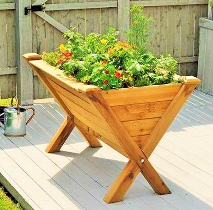 Homemade-DIY-wooden-Pallet-Small-Planter-ideas-01