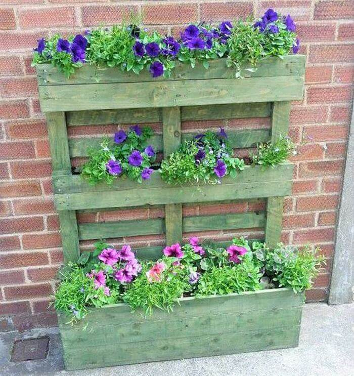 Homemade-DIY-wooden-Pallet-Small-Planter-ideas-02