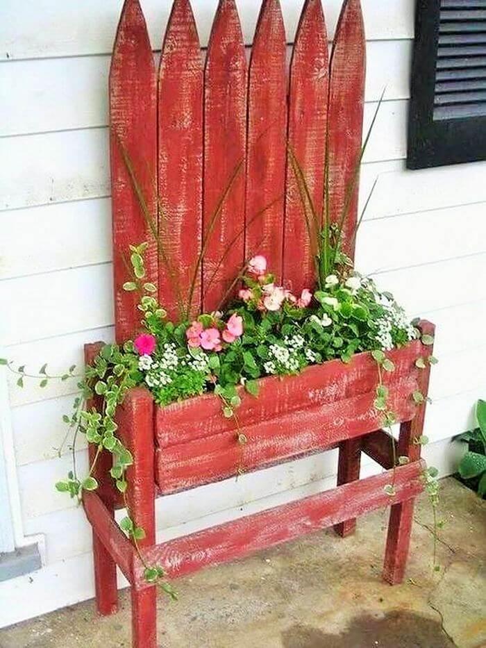 Homemade-DIY-wooden-Pallet-Small-Planter-ideas-05