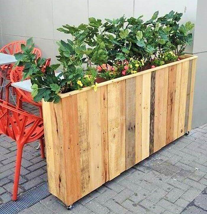 Homemade-DIY-wooden-Pallet-Small-Planter-ideas-06