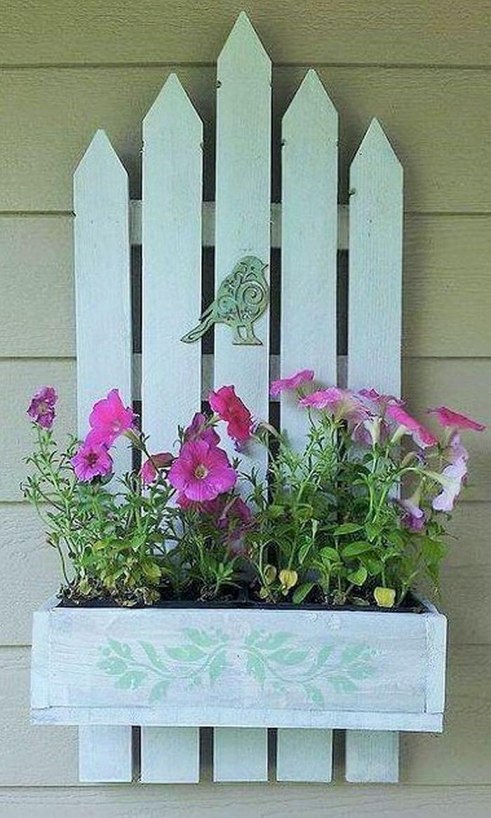 Homemade-DIY-wooden-Pallet-Small-Planter-ideas-07