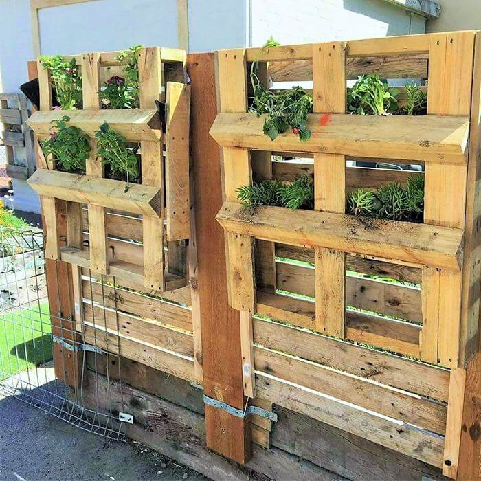 Homemade-DIY-wooden-Pallet-Small-Planter-ideas-08