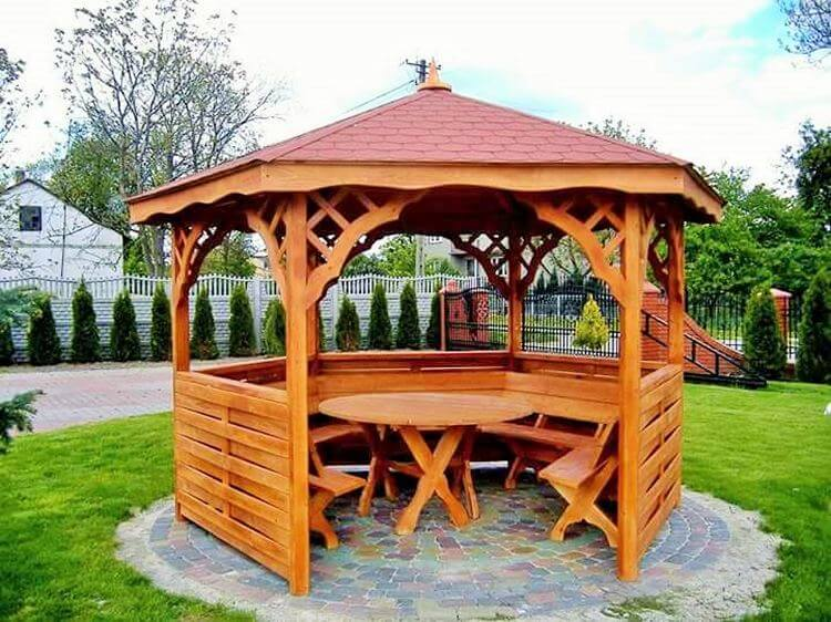 Wooden- drinking- home- in-garden-Project-03