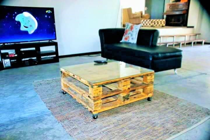 15-wooden-pallet-Coffee-Table-ideas-05