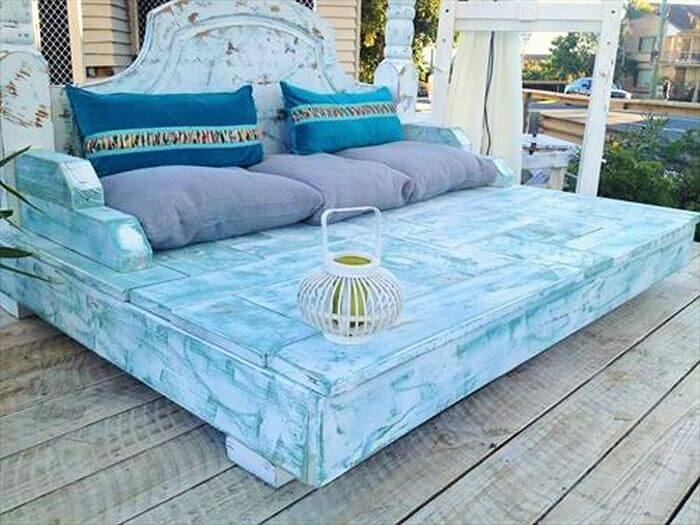 Wooden-Pallet-Diy-Bed- pattern free easy-Free Patterns- 01