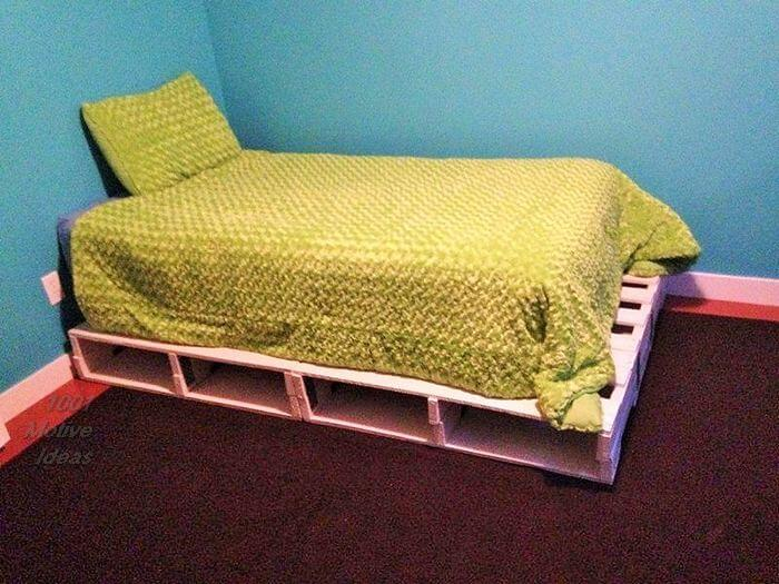 Wooden-Pallet-Diy-Bed- pattern free easy-Free Patterns- 02